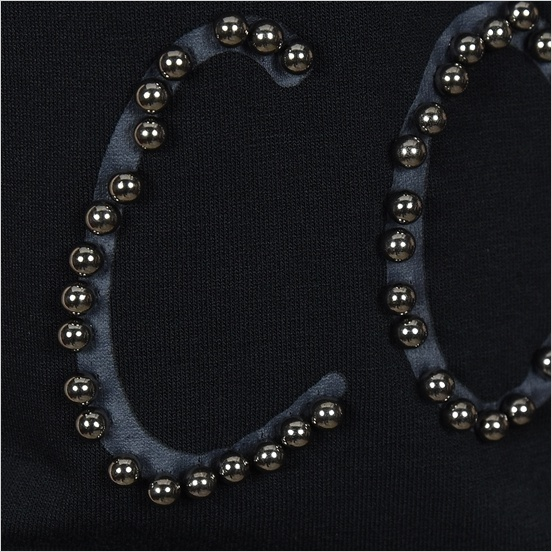 Guess正規品★Black Beads Comes Up V Neck★送料込