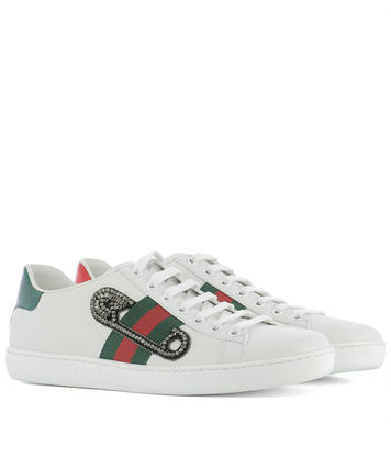 GUCCI [ACE] embroidery with the inspired sneakers
