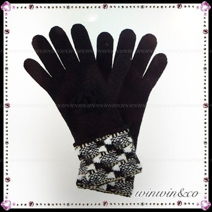 17 AW CHANEL gift gloves winter essential items