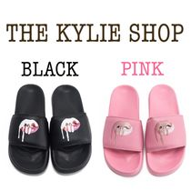 ★日本未入荷★THE KYLIE SHOP/KYLIE LIPS SLIDES (BLACK/PINK)