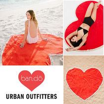 Urban Outfitters取扱 ban.do 使い方色々! ハート型ビーチタオル