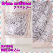 Urban Outfitters(アーバンアウトフィッターズ) タペストリー アーバンアウトフィッターズ★新作★スケッチ風花柄タペストリー