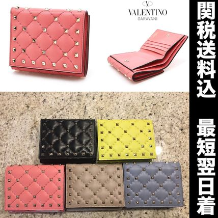 In 2-4 days arriving 2017 AW Valentino rock Stud folding