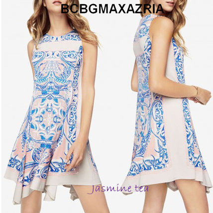 A beautiful Paisley print BCBGMAXAZRIA shift dress