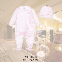 YOUNG VERSACE(ヤングヴェルサーチ) ベビーその他 YOUNG VERSACE/ガールズピンクベビーグロー&ハットギフトセット