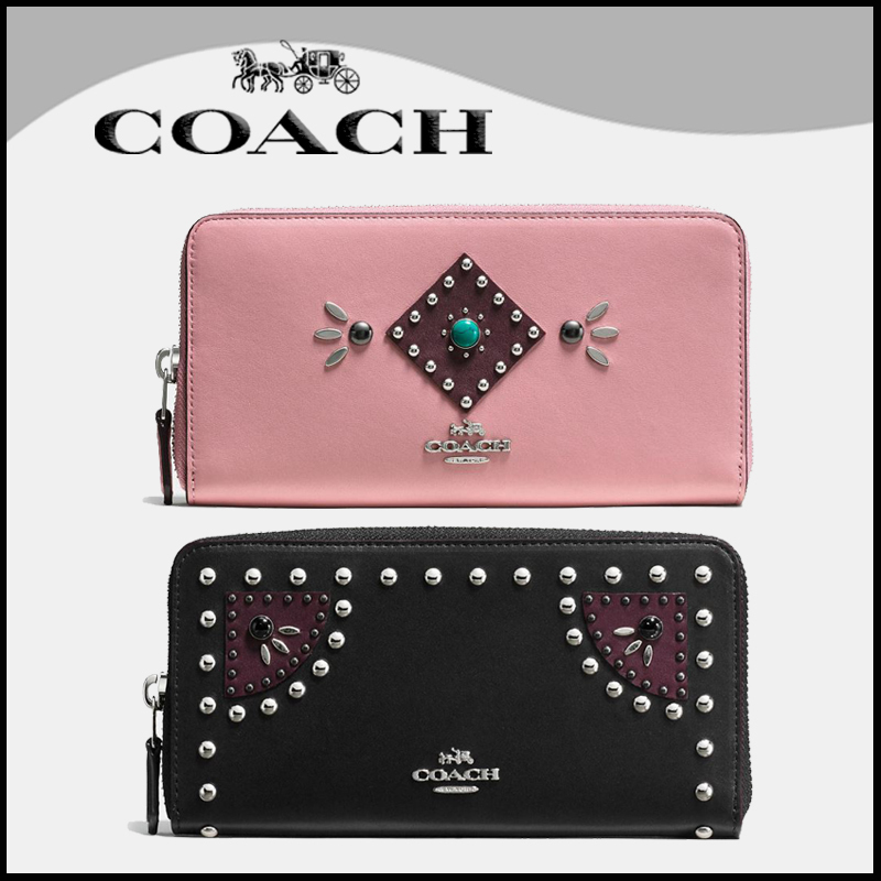 【Coach】 rivets accordion zip wallet in glovetanned leather