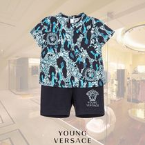 YOUNG VERSACE(ヤングヴェルサーチ) ベビーその他 YOUNG VERSACE/ベビーボーイズバロック2ピースセット