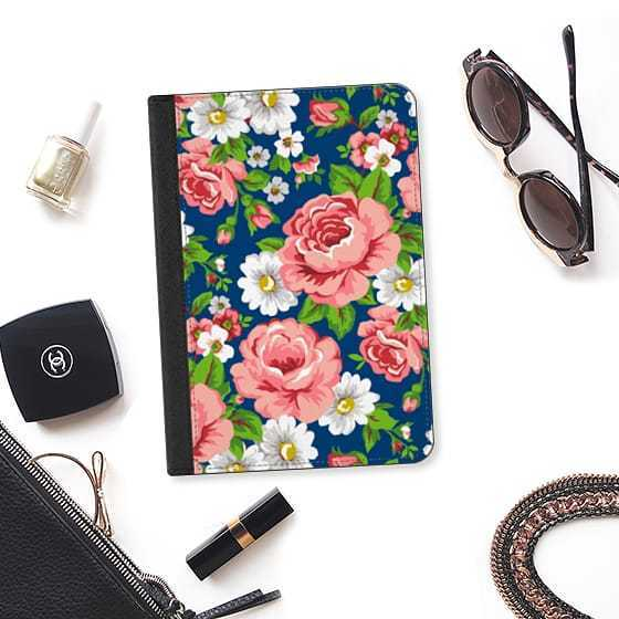 ★Casetify★iPadケース:ROSES AND FLOWERS