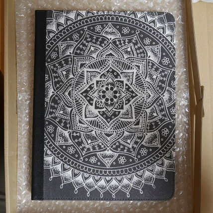 Casetify iPad・タブレットケース ★Casetify★iPadケース:PRETTY LACE MANDALA FLOWER (WHITE O(3)