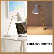 Urban Outfitters(アーバンアウトフィッターズ) 照明 ☆Urban Outfitters USBコンセント内蔵*デスクランプ☆送関込
