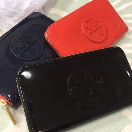 TORY BURCH ポップなカラー STACKED PATENT Wallet 長財布