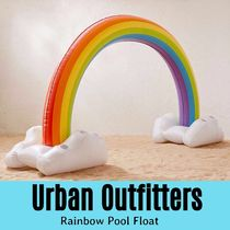 フロート【UO】UrbanOutfitters Rainbow Pool Float 浮き輪