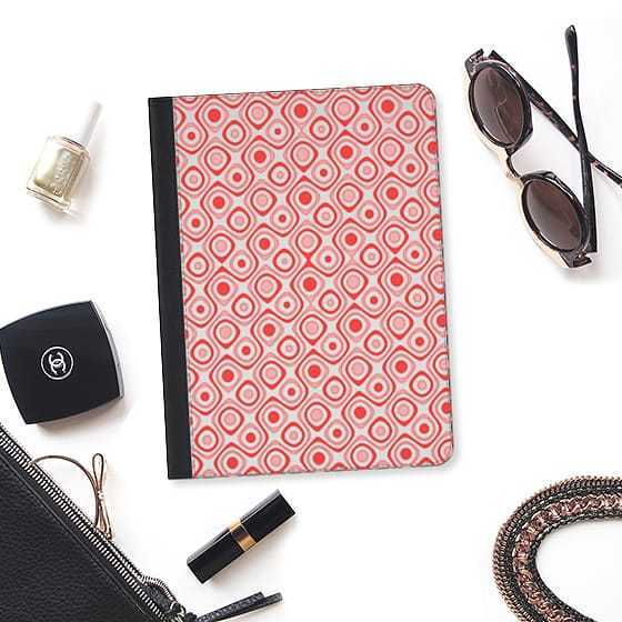 ★Casetify★iPadケース*ABSTRACT CORAL RED RETRO ZIGZAG