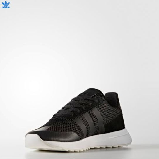 (アディダス) ADIDAS UNISEX ORIGINALS FLASH BACK BA7758