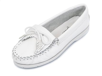 Minnetonka スリッポン MINNETONKA モカシン KILTY UNBEADED WHITE chjm204white