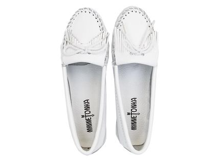 Minnetonka スリッポン MINNETONKA モカシン KILTY UNBEADED WHITE chjm204white(6)