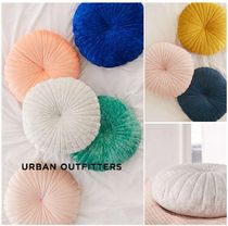Urban Outfitters☆Shelly Round Velvet Pillow
