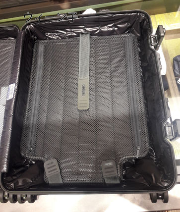 MONCLER スーツケース RIMOWA×MONCLER★TOPAS STEALTHビジネス・1st機内56㌢45㍑4輪(11)