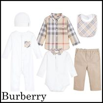 Burberry(バーバリー) ベビーその他 【関税/送料込】Burberry White & Beige Outfit Set 国内発送