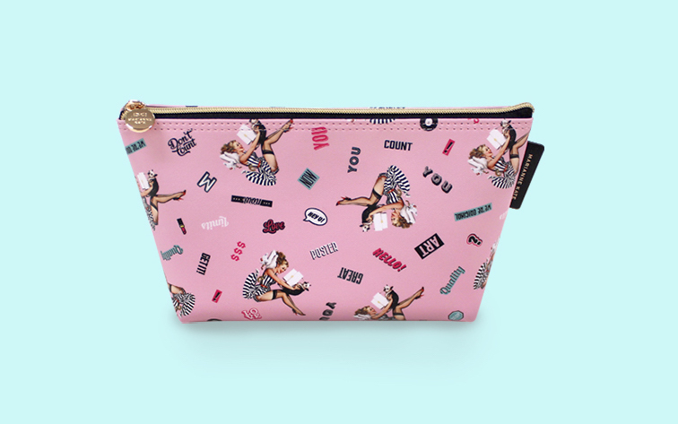 ★Marianne Kate★ Lucky Dog Stand Pouch