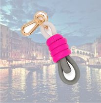 【LOEWE】Tricolour Knot キーリング Shocking Pink  国内発送