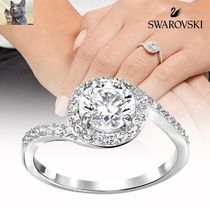 【SWAROVSKI】  ATTRACT LIGHT SWIRL リング