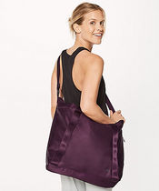 lululemon(ルルレモン) フィットネスバッグ Carry The Day Bag HEATPROOF POCKET 22L☆dark adobe