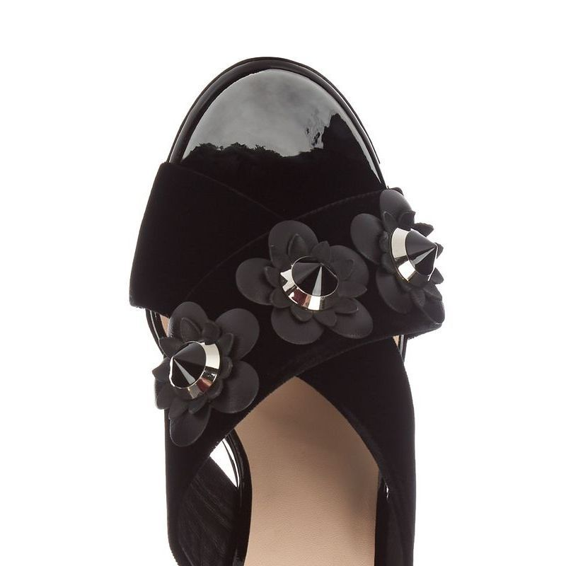 【FENDI】 フェンディ Flowerland leather mules