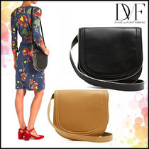【DIANE von FURSTENBERG】Small saddle leather cross-body bag