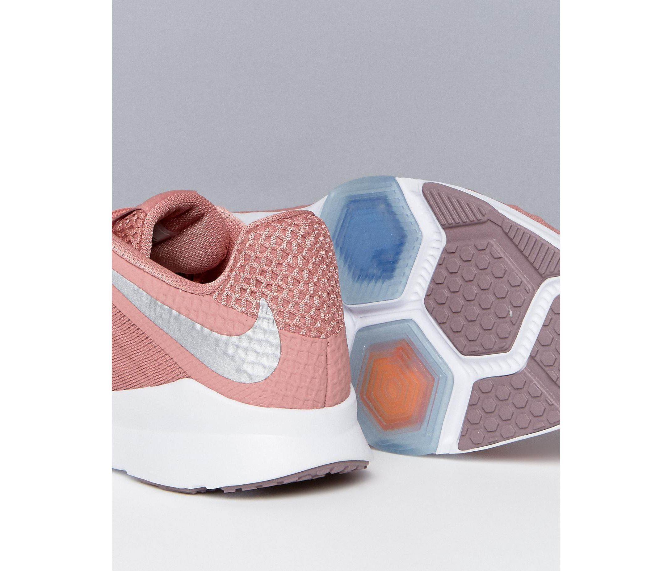 送料無料Nike Training Zoom Condition スニーカー In Pink