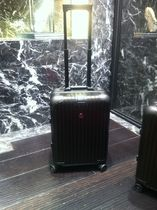 MONCLER(モンクレール) スーツケース 奇跡の1点RIMOWA×MONCLERスーツケース機内持ち込み可手元在庫有
