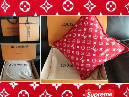 Louis Vuitton+Supreme限定・入手困難・レア【クッション】