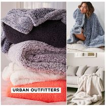 Urban Outfitters☆Amped Fleece Throw Blanket