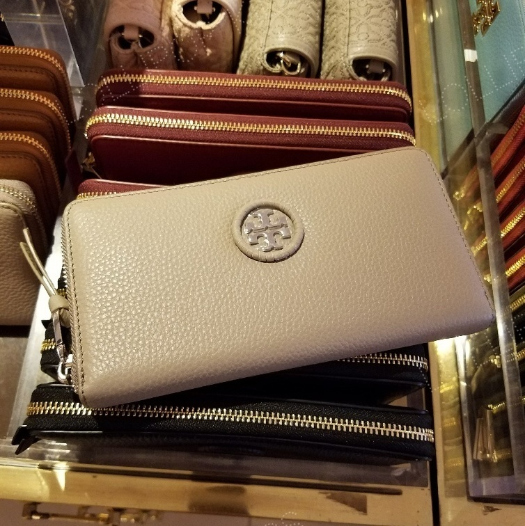 セール!Tory Burch★ WHIPSTITCH LOGO ZIP CONTINENTAL WALLET