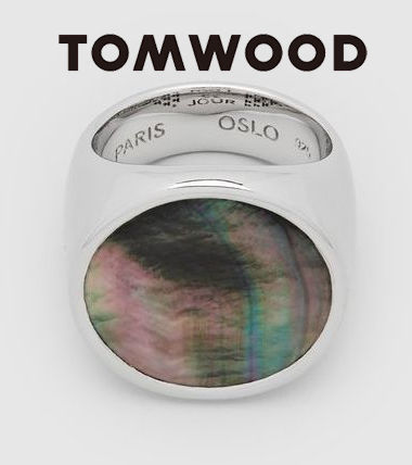 【Tom Wood】Flush Black Mother of Pearl Circle リング