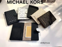 Michael Kors☆大人気★JET SET TRAVEL passport case*男女兼用