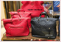 新作SALE TORY BURCH★QUILTED NYLON SLOUCHY SATCHEL*軽い