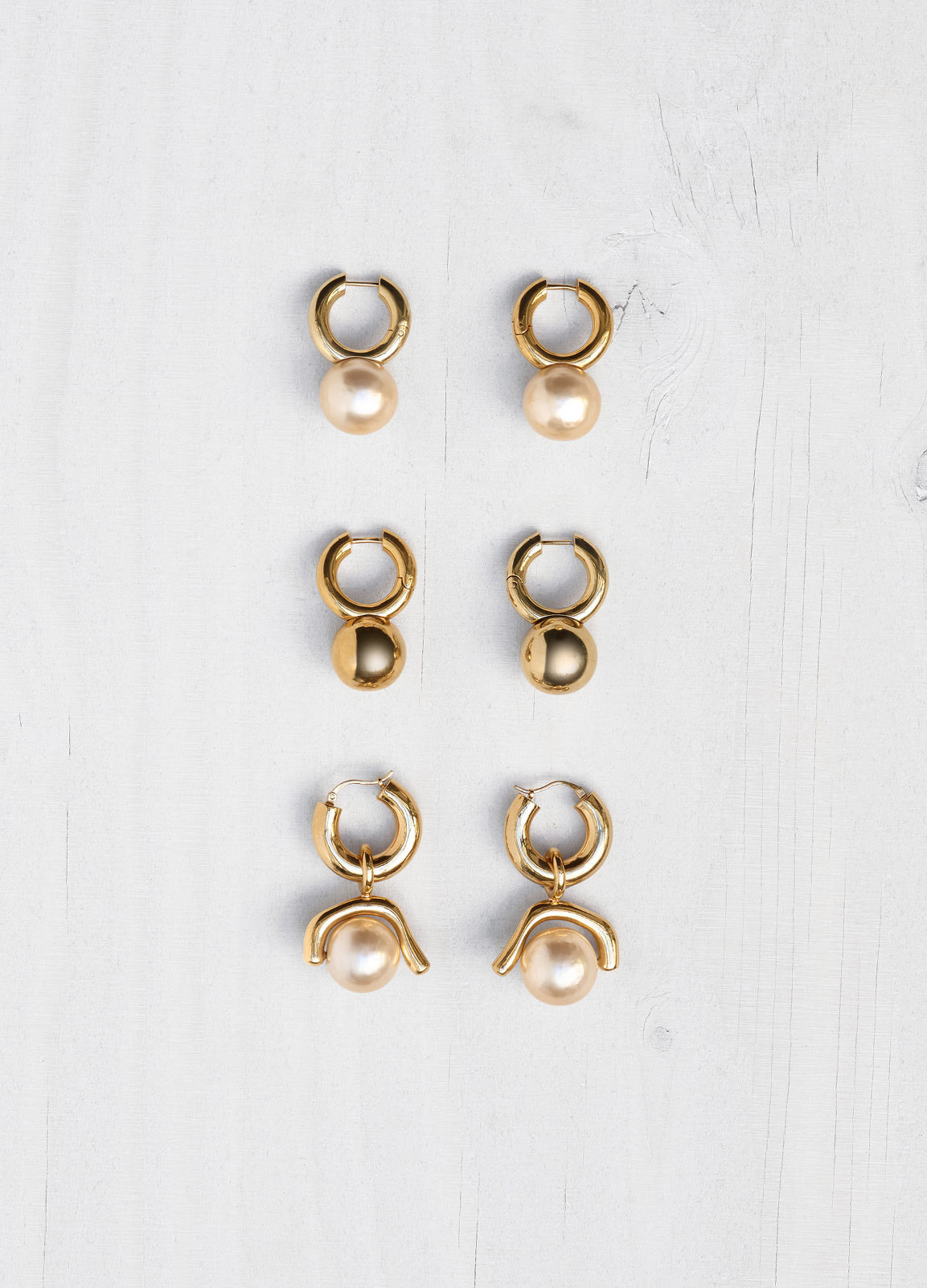 【17aw NEW】CELINE_women/DOT LOOP PEARLEARRINGS/ドットピアス