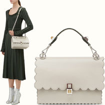 FE1698 KAN I BAG WITH WAVY DETAIL