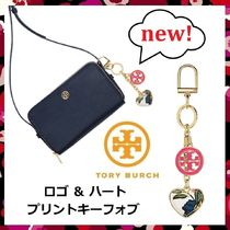 即発 未発売 セール Tory Burch Logo & Heart Printed Key Fob