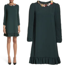 17-18AW DG1258 RUFFLE TRIMMED DRESS WITH DECORATIVE BUTTON