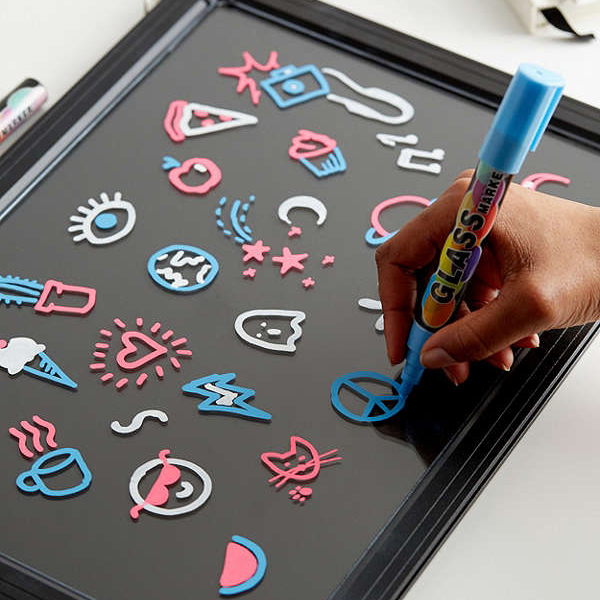 UO☆LED Color-Changing Message Board