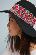 【Anthropologie】新作!Tess Embroidered Hatハット