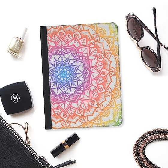 ★Casetify★iPadケース*PRETTY LACE MANDALA #1 (RAINBOW