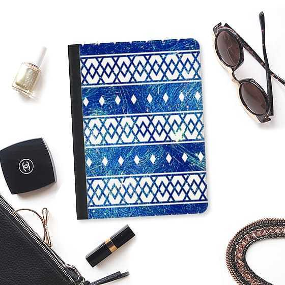 ★Casetify★iPadケース#BRIGHT BLUE TRIANGLES AZTEC ABSTRACT
