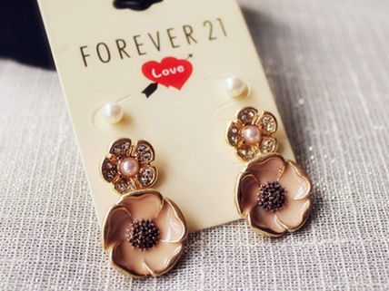 Forever21 イヤリング・ピアス ★Forever21★ラインストーン パール  ピアス★3パターン