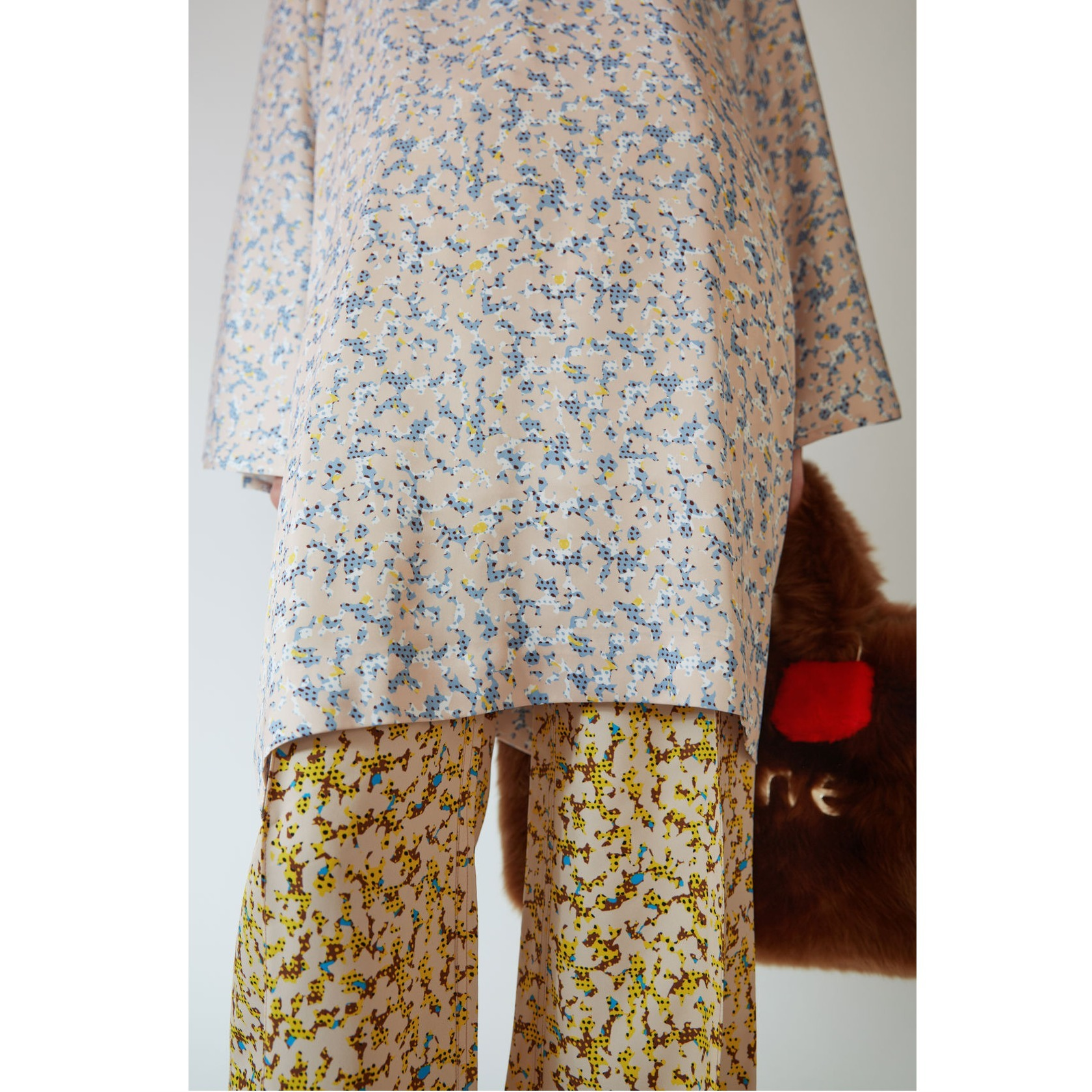 ACNE Danis Fluid Print Paris decorativo サテンプリントドレス
