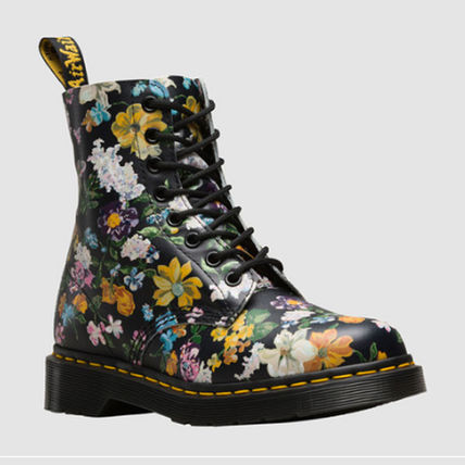 Dr. Martens  PASCAL DF 8EYE BOOT Black Darcy Floral Backhand