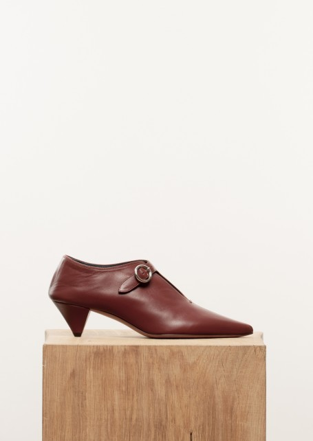 【CELINE】Red wood soft v neck babouche pump