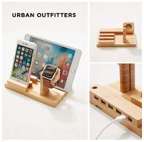 Urban Outfitters☆Wooden Multi-Device Charging Dock